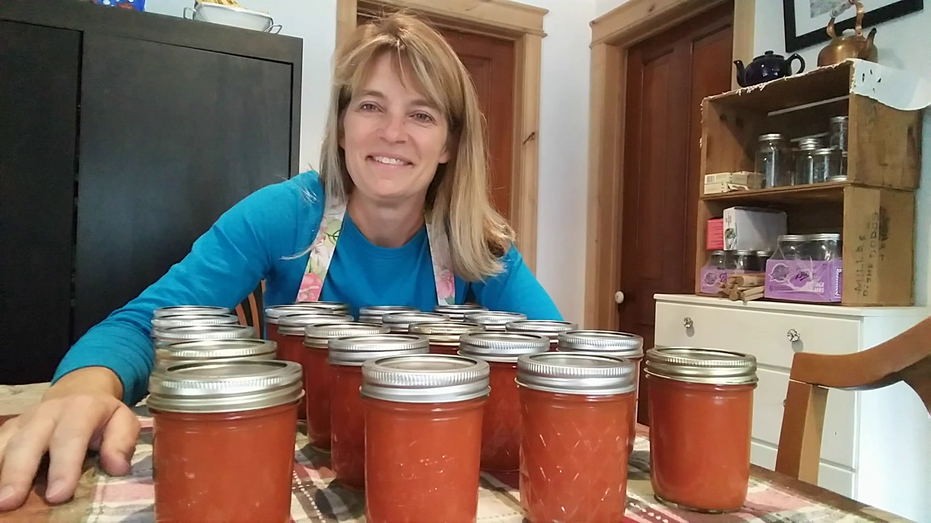 How to Can Tomato Sauce the Easy Way